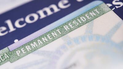USCIS quiere que inmigrantes demuestren buen historial crediticio para obtener residencia o ciudadanía