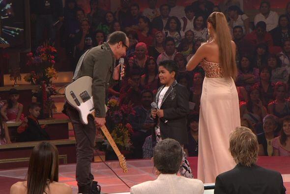 El ex Timbiriche Eric Rubín también llegó al escenario de Pequeños Gigantes