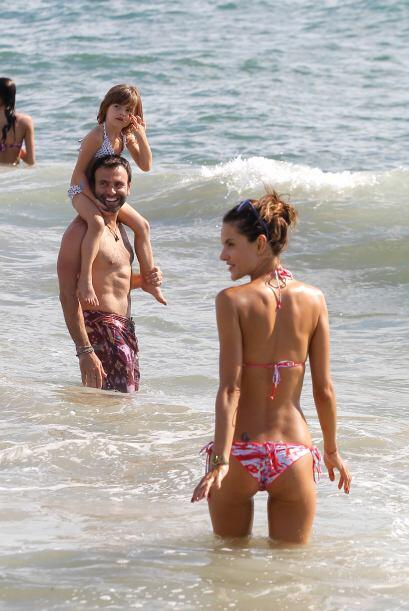 ¿Te gusta cómo luce Alessandra Ambrosio?Mira aquí l...