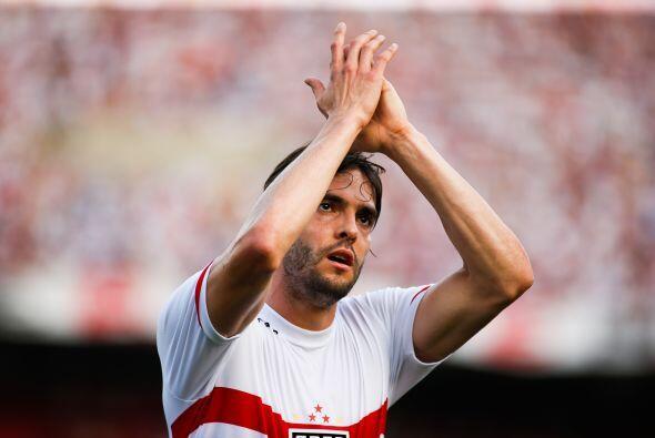 El jugador de Sao Paulo, Kaká tiene 20,914,899 de seguidores en l...