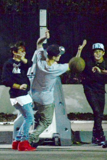 Oooops, como que eso de ser buen deportista no se le da a Bieber, a quie...