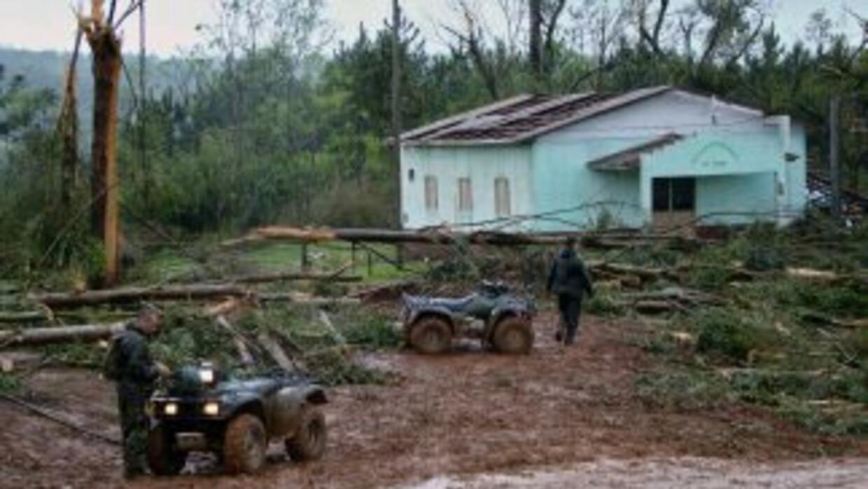 La furia de un tornado destruyó un poblado argentino. En septiembre de 2...