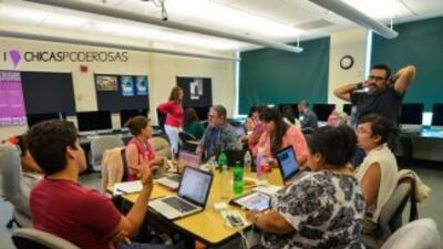En la imagen, un hackatón organizado por Chicas Poderosas en Miami. Foto...