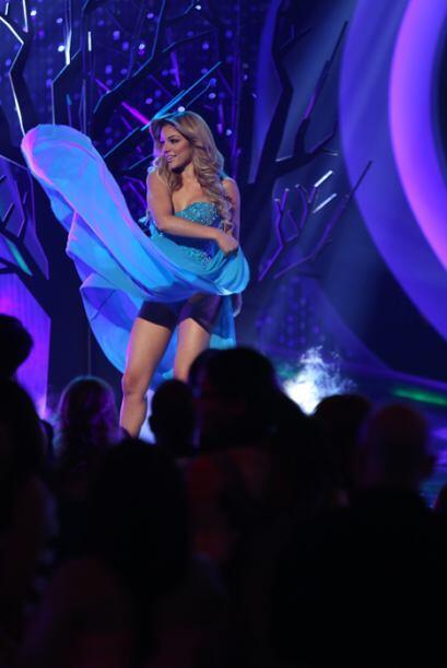 El color azul fue el elegido para vestir de manera muy hot el cuerpecito...