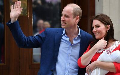 Los duques de Cambridge, el príncipe William y Kate Middleton, sa...