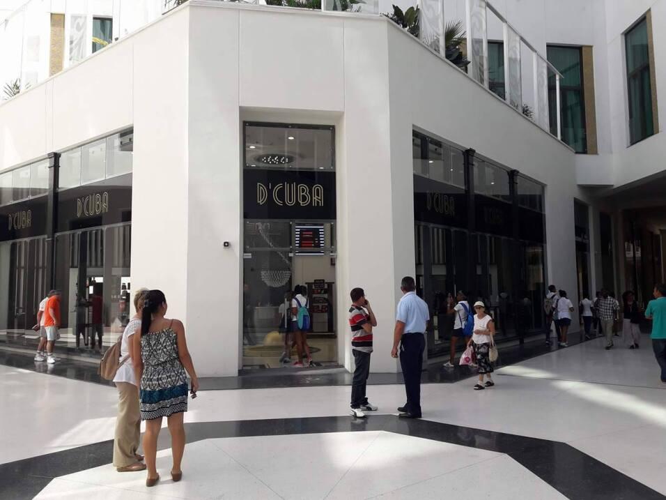 La llegada de las tiendas de lujo se ha convertido en un fenómeno en La...