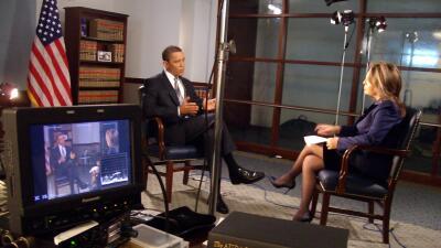 María Elena Salinas entrevistando a Barack Obama