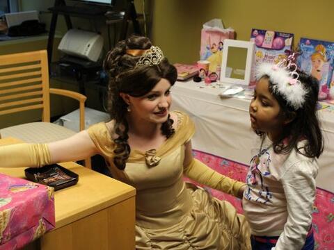Ashley, paciente de St Jude Children's Research Hospital, cumplió...