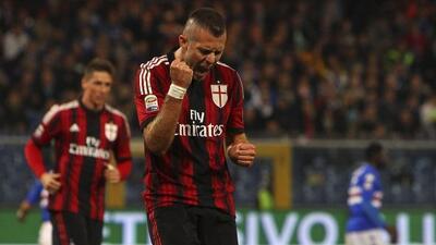 El atacante francés anotó también para lograr el empate del Milan.