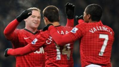 Rooney anotó el gol del triunfo de Manchester United a pase del 'Chichar...