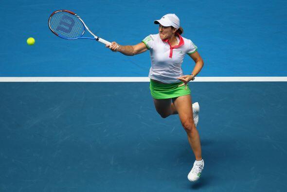 La ex número uno del mundo, la belga Justine Henin, también consiguió su...