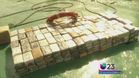 Decomisan 2,000 libras de cocaína escondida en barco