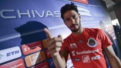 El delantero de Chivas comentó que esta ha sido la etapa más difícil de...