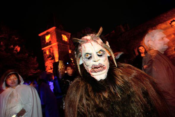 Y, ¿cómo no, si estas máscaras te ponen al filo del terror?