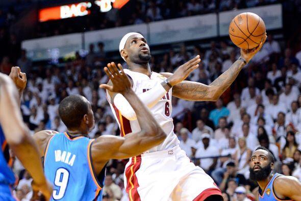 Para LeBron James fue una noche muy dulce con sus 20 puntos le estaba da...