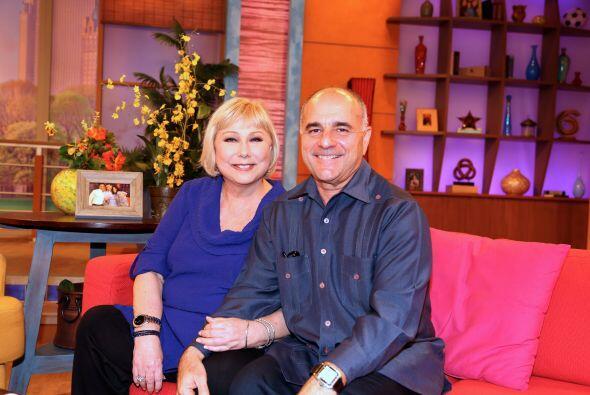 En su regreso a Univision no podía dejar de estar acompaña...