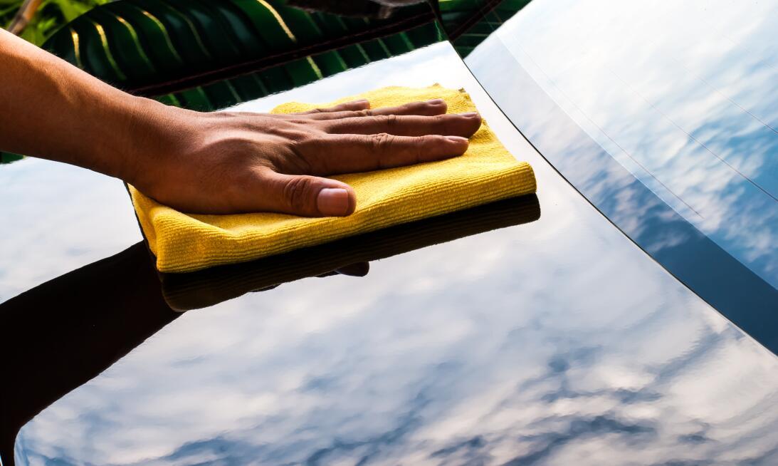 10 tips para lavar tu carro como todo un profesional  shutterstock-13677...