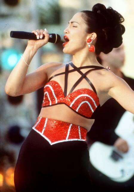 Selena Quintanilla era adicta a este look selena 2.jpeg