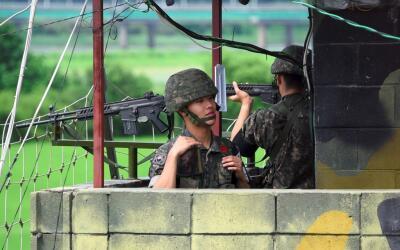 Soldados surcoreanos en la frontera entre las dos Coreas.