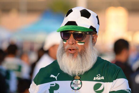 No cabe duda que para el fútbol no hay edad, este Guerrero pese a las ca...