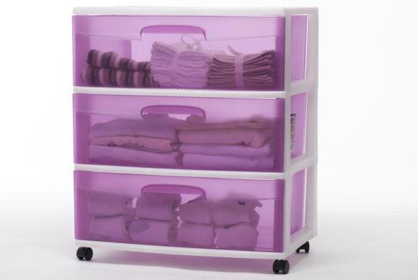 Otra manera eficiente de guardar sábanas, toallas o ropa de cama es este...