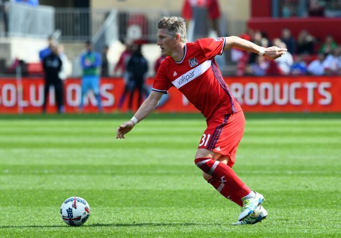 Bastian Schweinsteiger no espera y en su primer partido se metió en el E...