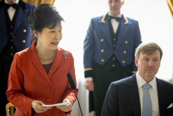 Park Geun -hye, presidenta de Corea del Sur y el rey Guillermo durante u...