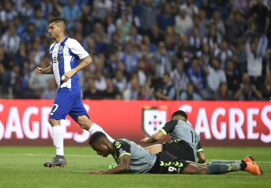 Jesús Corona: el 'Tecatito' fue titular del Porto en el triunfo...