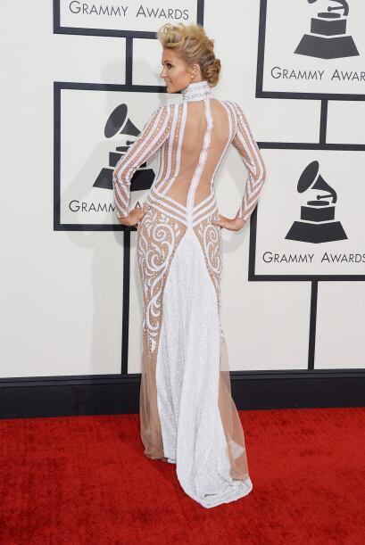 Todo un deleite ver esa espalda y esas curvas tan bien cuidadas. ¿Qué op...