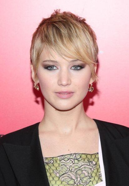 Otra chica que decidió darle un cambio a su 'look' fue Jennifer Lawrence...