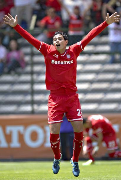 Raúl Nava se ha vuelto un grandísimo compañero de ataque, define y asist...