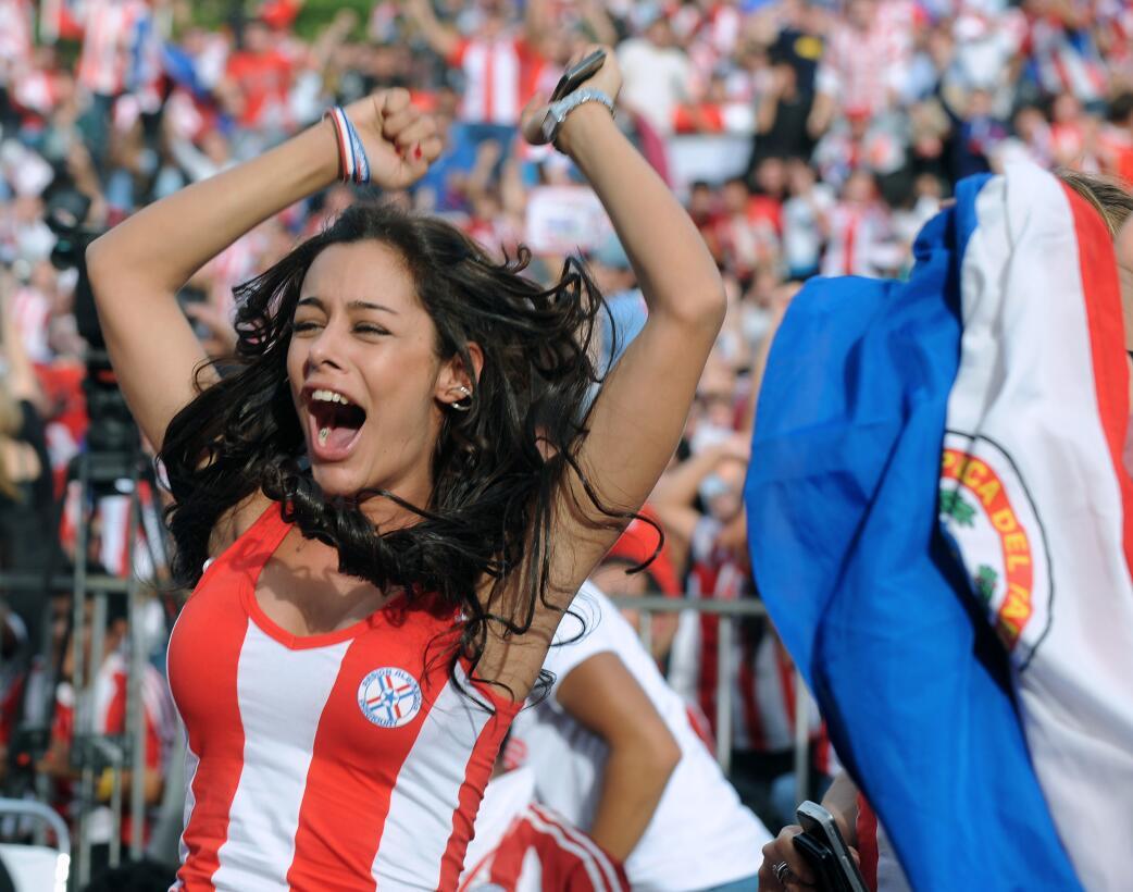 Historias de Mundiales: Paraguay y el refuerzo más sensual para un país...