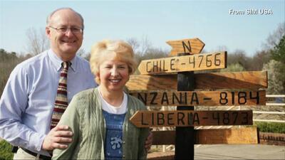 Llega la misionera Nancy Writebol a Estados Unidos