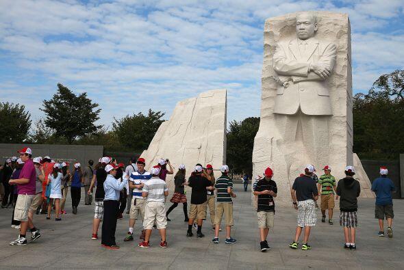 Cientos de visitantes acudieron a visitar los monumentos federales y par...