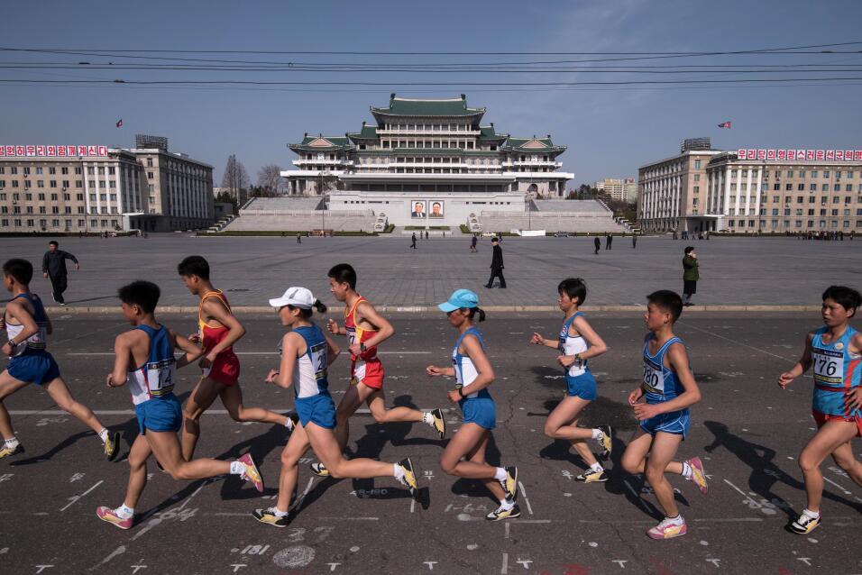 """China exhorta a EEUU y Corea del Norte a evitar """"una escalada de las ten..."""