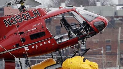 En fotos: El accidente del helicóptero que cayó en el East River de Nueva York