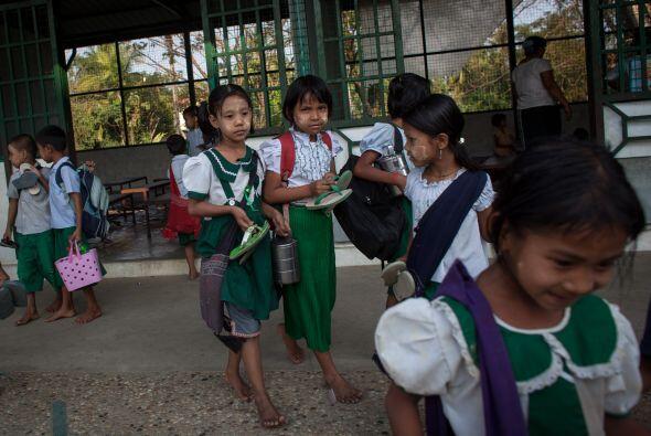Las niñas representan 55% del total y con frecuencia son víctimas de vio...