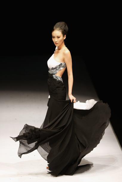 Los expertos en moda aseguran que aquellos largos y con caída suave, ser...