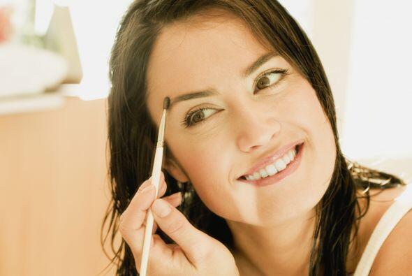 Definición de las cejas. Para conseguir más precisión e impacto en tus c...
