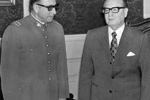 Allende permaneció mil días en el poder, pero fue derrocado por los mili...