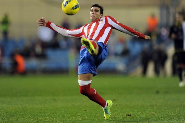 Todos dan como algo seguro la llegada de José Antonio Reyes al Sevilla....