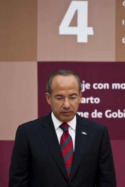 El presidente de México Felipe Calderón rindió su informe anual de gobie...