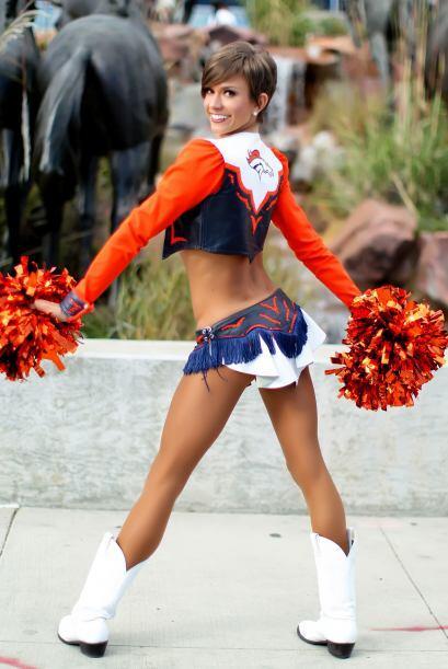 Estilista, modelo, porrista de los Denver Broncos y de Pro Bowl, carism&...