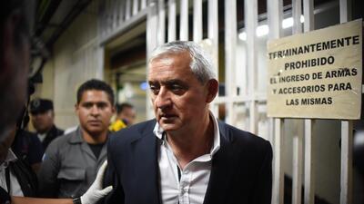 Otto Pérez Molina pasó del sillón presidencial a la cárcel en un solo día.