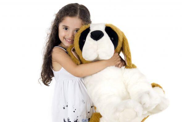 Lleva su peluche. Si tu niño o bebé todavía tiene un muñeco u objeto al...
