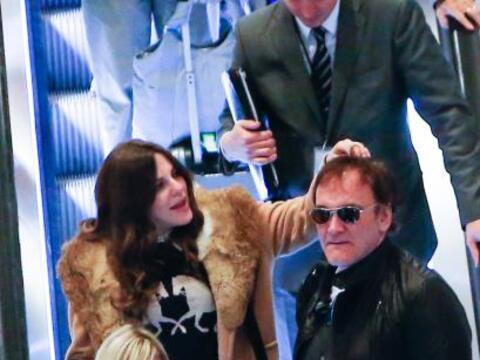 El amor le llegó al director Quentin Tarantino, pues se le vio mu...