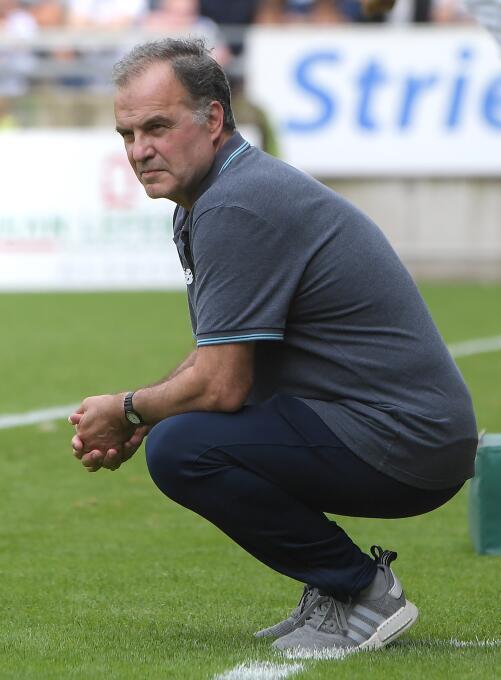 'Loco' Bielsa is back con sus locuras: jugó con tres porteros GettyImage...