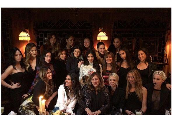 Mira cómo vivió Kim Kardashian sus últimas horas de soltera en Europa en...