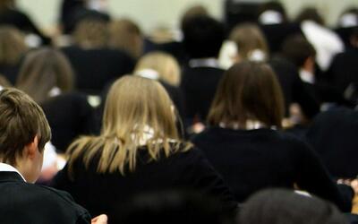 Las Escuelas Públicas de Chicago piden préstamo de 112 millones de dólar...