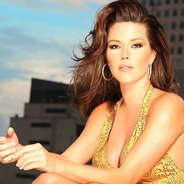 ¡Alicia Machado se desnudó para sus fans! 10431984_503621746434721_17083...